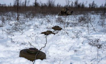 Poroshenko signs law on mine action in Ukraine