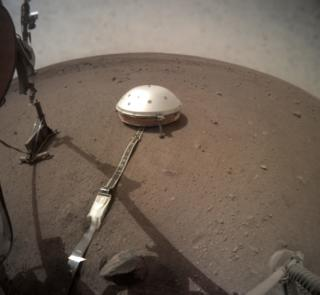 Nasa's InSight mission: Mars 'mole' put on planet's surface