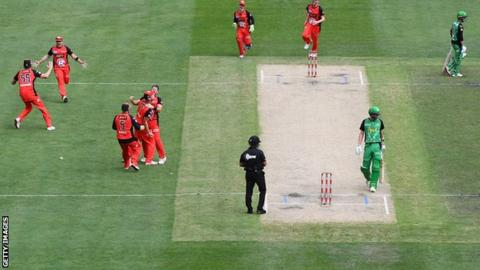Melbourne Renegades stage stunning fightback to win Big Bash