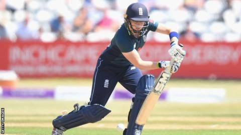 Captain Knight is match-winner as England women win final warm-up