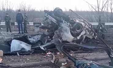 Minibus with civilians hits mine in the Donbas conflict zone