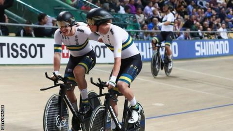Australia beat GB to gold and set world record in team pursuit final