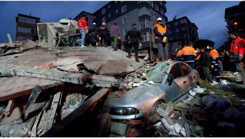 Building collapse in Istanbul, 21 victims