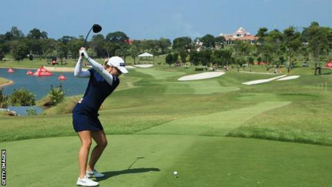 England's Ewart Shadoff two off lead at Women's World Championship