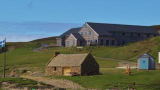 Fire damages Shetland