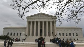 Supreme Court sides with Trump on immigration detention