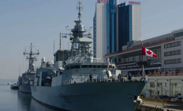 Canadian frigate Toronto and Spanish Santa Maria in Odesa port (photo)