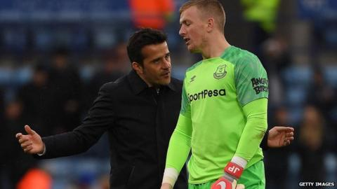 Everton boss Silva 'not happy' with keeper Pickford after alleged