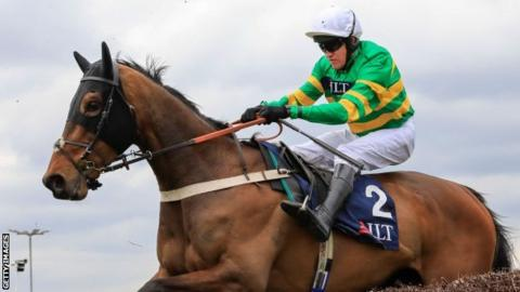 Jockey Geraghty breaks leg & two horses die at Aintree