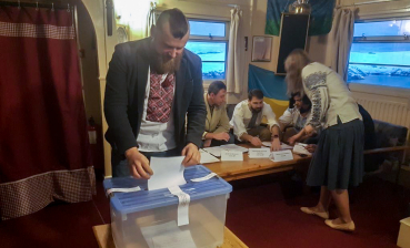 Voting at Ukrainian presidential elections ends at Antarctic Vernadsky Research Base