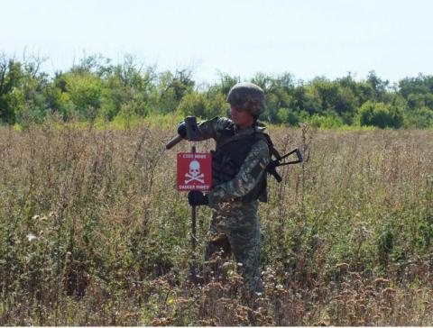 833 civilians suffer from mines since beginning of hostilities in Donbas