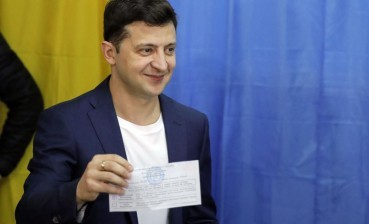 President-elect Zelensky faces trial for flashing his bulletin after voting