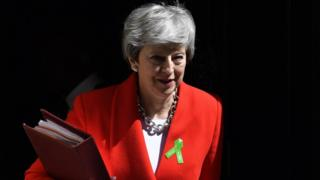 Theresa May due to meet Tory MPs over leadership
