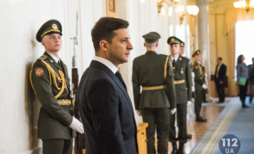 12,000 Ukrainians want Zelensky