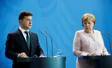Merkel wants Russia in PACE, promises to remember about violations