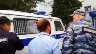 Roma flee Russian village after mass brawl