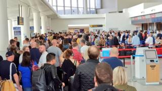 Manchester Airport: IT failure causes check-in delays