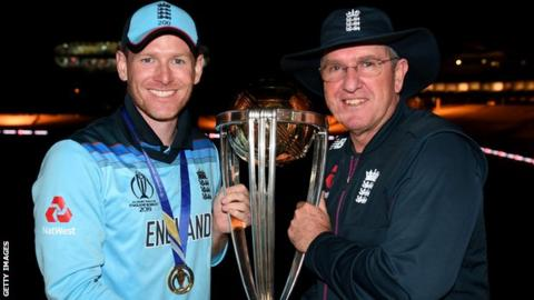 England coach Bayliss to take charge of Sunrisers Hyderabad