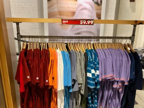 American Eagle says it plans to offer buy-now, pay-later services as it appeals to cash-strapped teens (AEO)