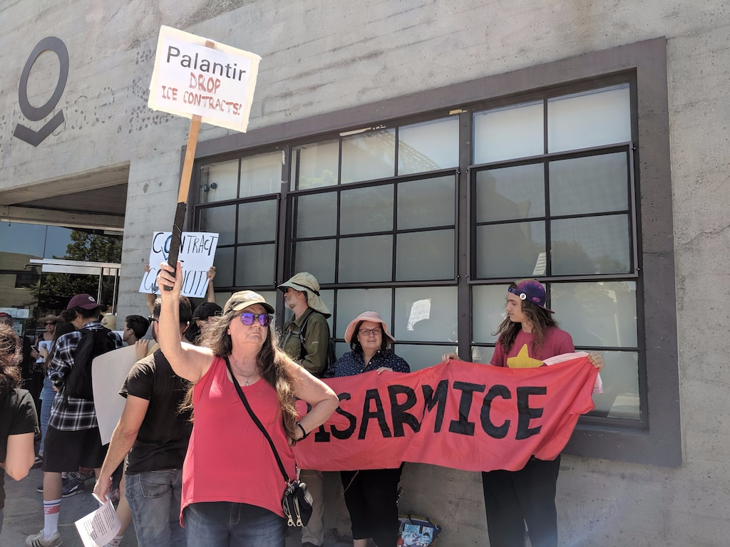 Protesters blocked Palantir's cafeteria to pressure the $20
