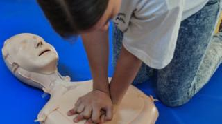 First aid lessons begin in 1,600 schools ahead of 2020 roll-out
