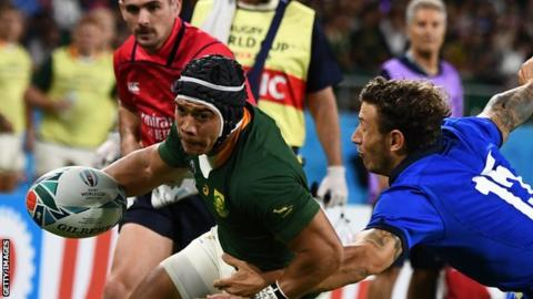 Springboks cruise to bonus-point win over 14-man Italy