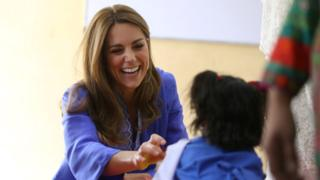 William and Kate meet schoolchildren in Pakistan