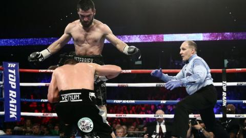 Artur Beterbiev stops Oleksandr Gvozdk to unify light heavyweight titles
