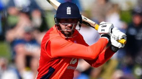 Vince stars as England win T20 opener in New Zealand