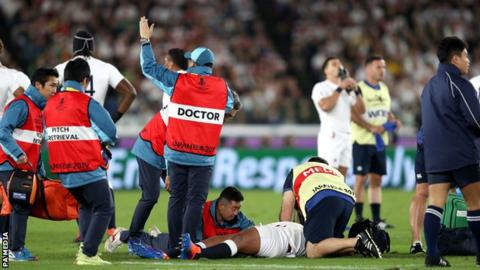 England prop Sinckler taken off with concussion in third minute of final