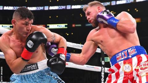 Saunders eyes Canelo after gritty win over Coceres