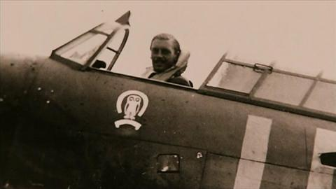 Battle of Britain pilot Maurice Mounsdon dies aged 101