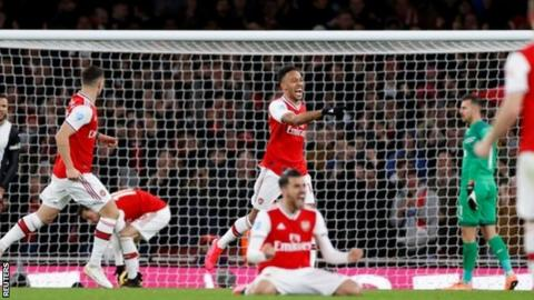 Arsenal put four past Newcastle to move up to 10th