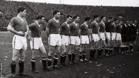 Munich air disaster hero Harry Gregg dies aged 87