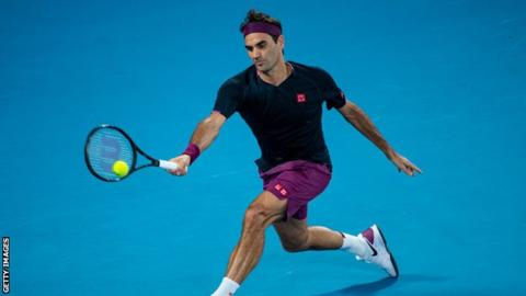 Federer out of French Open after knee surgery