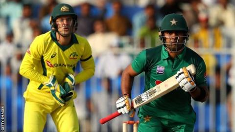 Umar Akmal: Pakistan suspend batsman under anti-corruption code