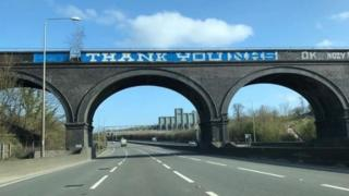Coronavirus: M25 graffiti replaced with NHS thank you