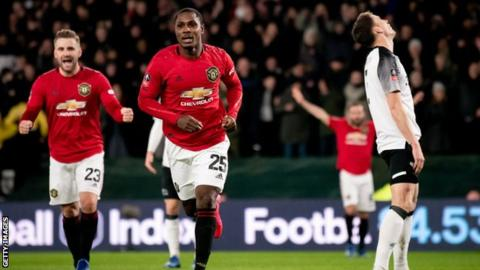 Odion Ighalo: Manchester United extend striker