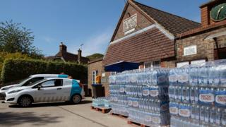 More Sussex homes without water as heatwave continues