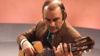 Julian Bream: Classical guitarist dies aged 87