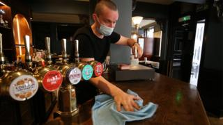 Pubs and restaurants must shut in NI at 11pm